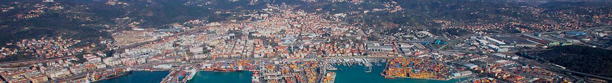 tunnel mobili La Spezia, coperture senza concessione edilizia